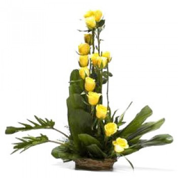 Arrangements Of 15 Yellow Roses