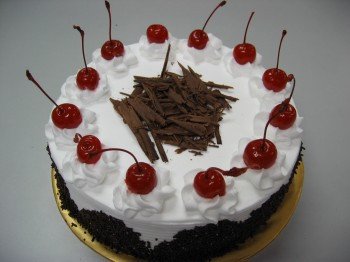 Eggless Black Forest - Half KG