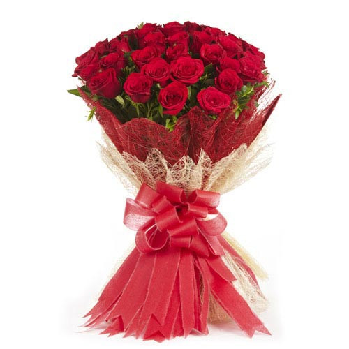 25 Red Roses in Jute Packing