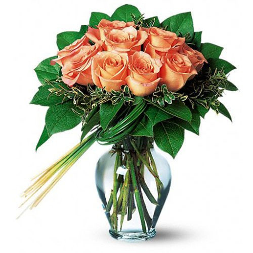 12 Peach Roses In A Glass Vase